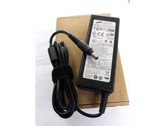 Adaptor Samsung 19v 4.74a 90Watt (Pin) OEM